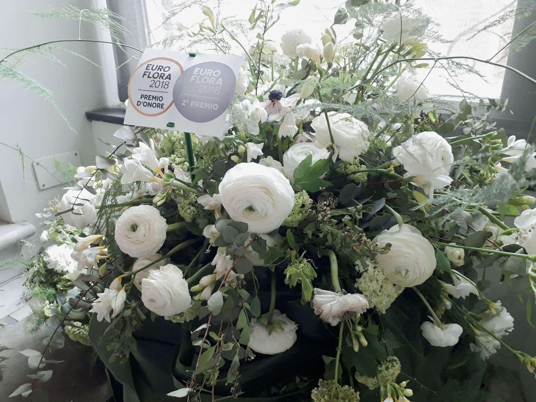 Popolare Euroflora: la meraviglia delle composizioni di fiori recisi alla WN93