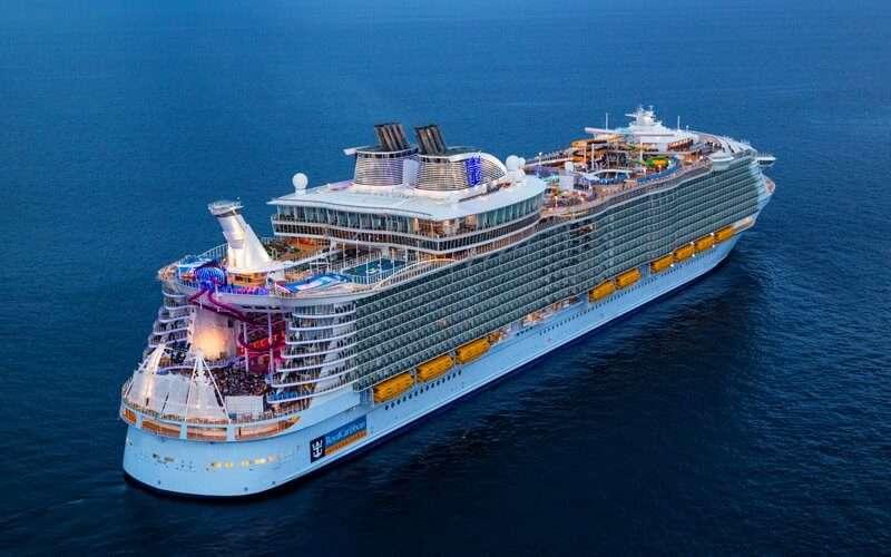 Risultati immagini per Symphony of the Seas foto
